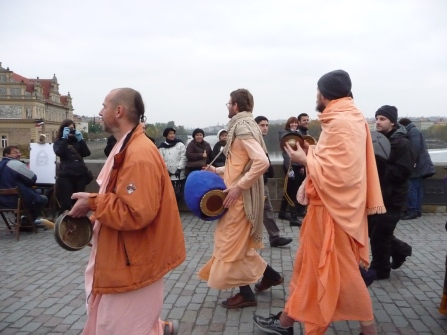 Hare Krishnas on the Charles Bridge