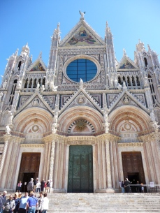 Front view of the Duomo