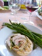 Stuffed turkey breast and asparagus