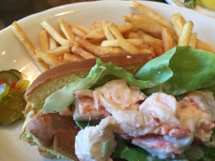 Chilled lobster roll